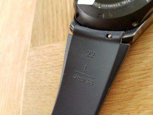 Detail pásku ze spodní strany