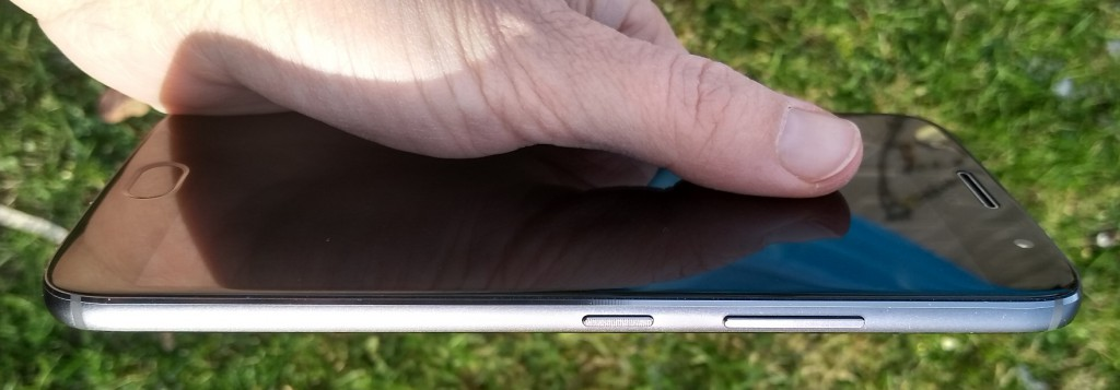 Lenovo Moto G5s PLUS - čím překvapí celokovová střední třída?