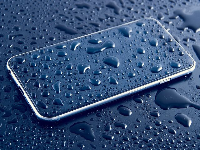 Utopili jste mobil nebo notebook? Jak z toho ven?