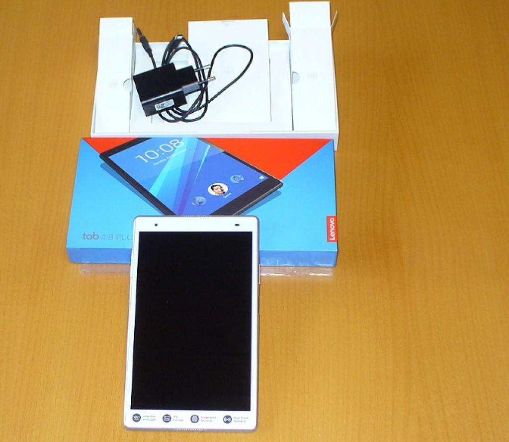 """Tablet Lenovo TAB 4 8"""" plus - oplatí se prémiový prcek?"""