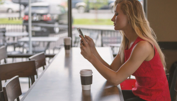 Top aplikace, které by v mobilu měla mít každá žena