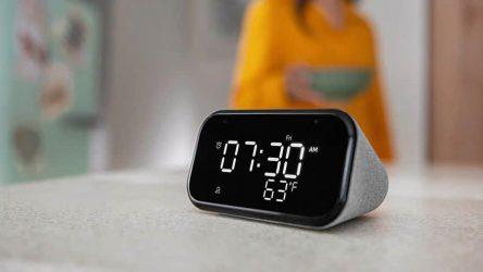 Lenovo pouští na trh chytrý reproduktor Lenovo Smart Clock Essential s displejem
