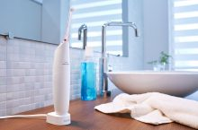 AirFloss Ultra od Philipsu přináší extra péči o zuby. Jak funguje?