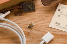 Štve vás kabel k mobilu? Pořiďte si ten s magnetickým konektorem